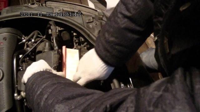 Замена воздушного фильтра Audi A4