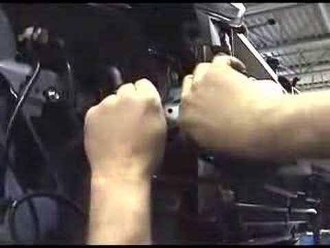 Снятие переднего бампера Honda CR-V 3