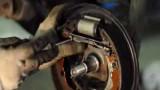 Замена задних тормозных колодок Renault Logan