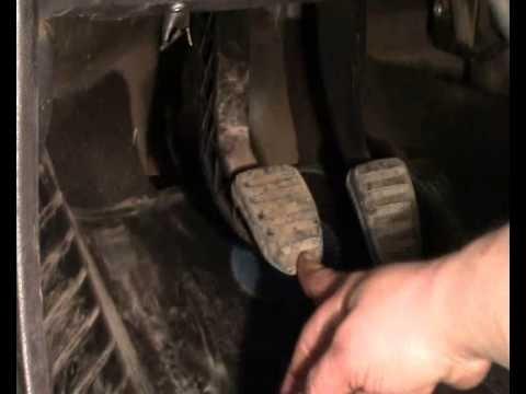 Регулировка троса сцепления Renault Logan, Sandero