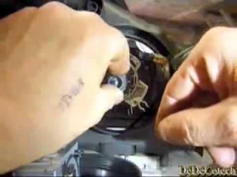 Замена ксеноновой лампы ближнего света Renault Espace 4