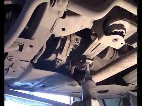 Замена нижней опоры двигателя Renault Logan