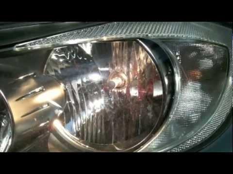 Замена ламп в передних фарах BMW Е90