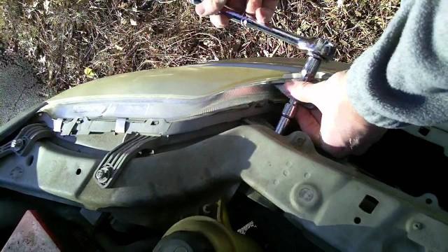 Замена передней фары Chevrolet Aveo