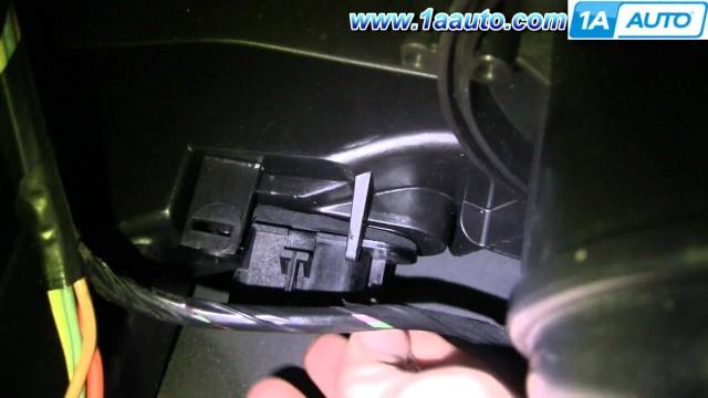 Замена резистора вентилятора печки Chevrolet Cobalt