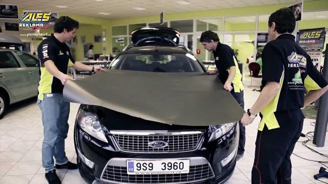 Поклейка автомобиля карбоновой пленкой Ford Mondeo