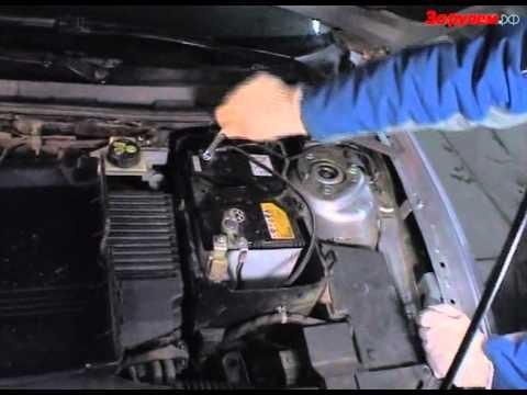 Демонтаж аккумулятора Mazda 3