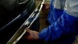 Замена накладки двери багажника Ford Focus