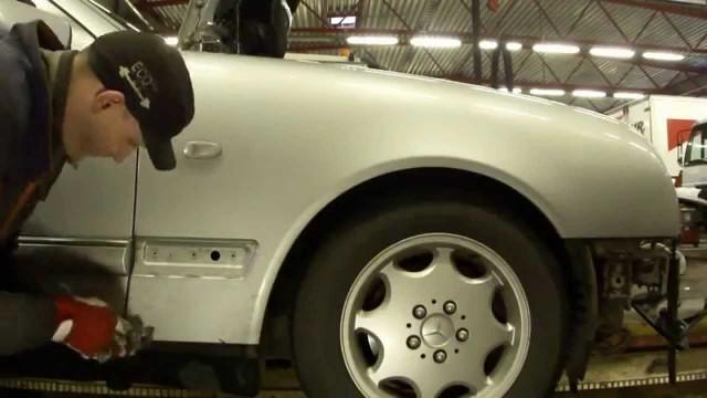 Снятие переднего крыла Mercedes W210
