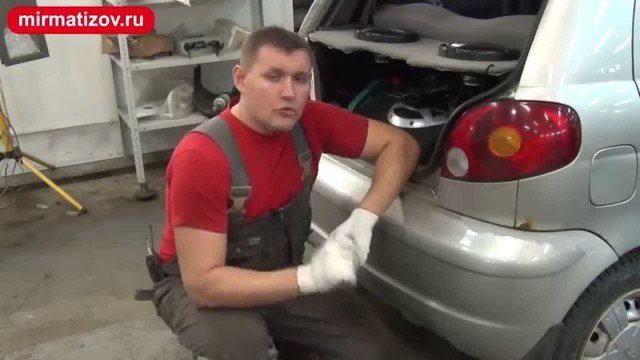 Замена ламп в задних фонарях Daewoo Matiz