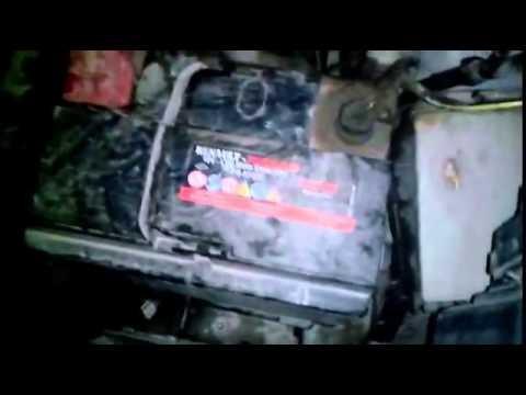 Замена лампы габаритных огней в передней фаре Nissan Note