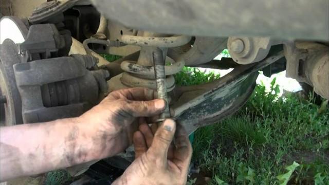 Замена нижнего рычага задней подвески Ford Explorer
