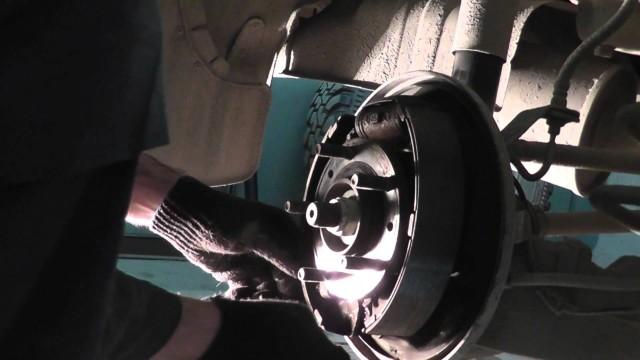 Замена тормозных колодок Mazda Tribute