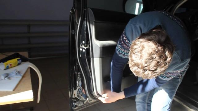 Как снять обшивку двери Toyota Land Cruiser Prado 150