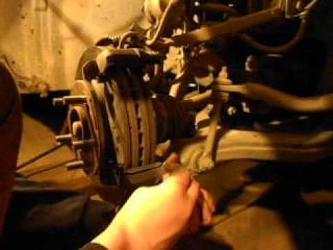 Обслуживание, замена переднего тормоза Ssang Yong Kyron