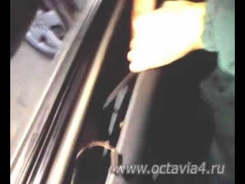 Снятие карты двери и установка универсального концевика Skoda Octavia