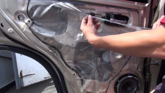 Снятие обшивки двери Suzuki Grand Vitara