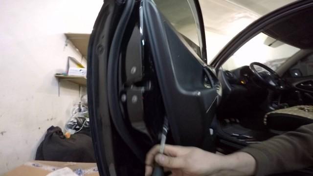 Снятие обшивки двери Toyota RAV 4