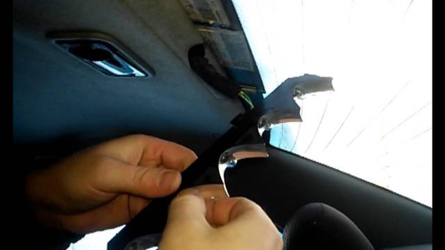 Замена дополнительной лампы стоп сигнала Peugeot 406
