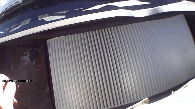 Замена фильтра салона Peugeot 406