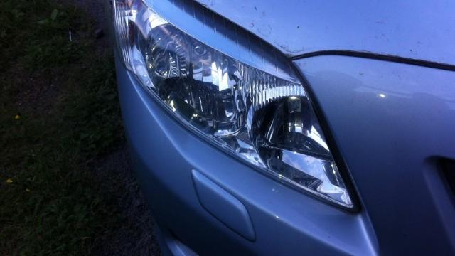 Замена лампы ближнего света Toyota Corolla