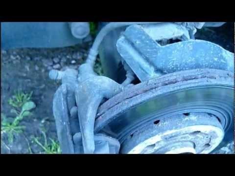 Замена передних тормозных колодок Skoda Fabia
