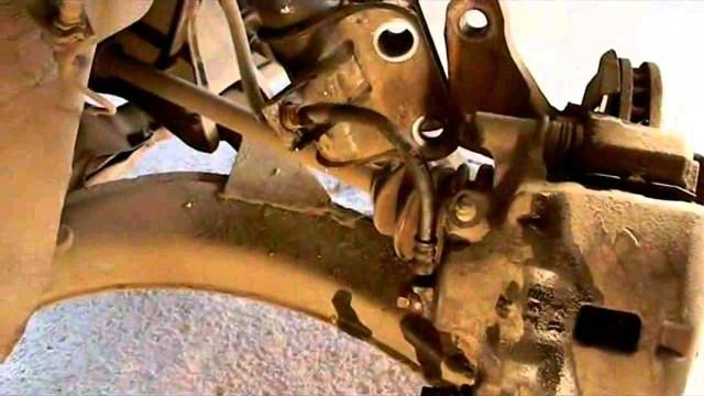 Замена стойки амортизатора Subaru Legacy