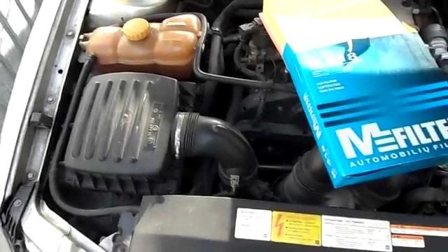 Замена воздушного фильтра двигателя Opel Omega B
