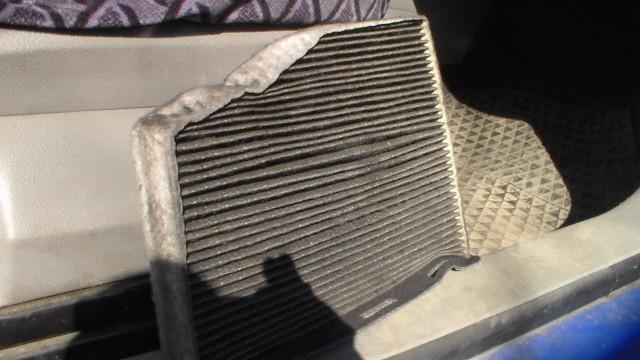 Замена салонного фильтра Volkswagen Caddy