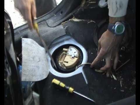 Снятие и замена топливного насоса Citroen Xsara