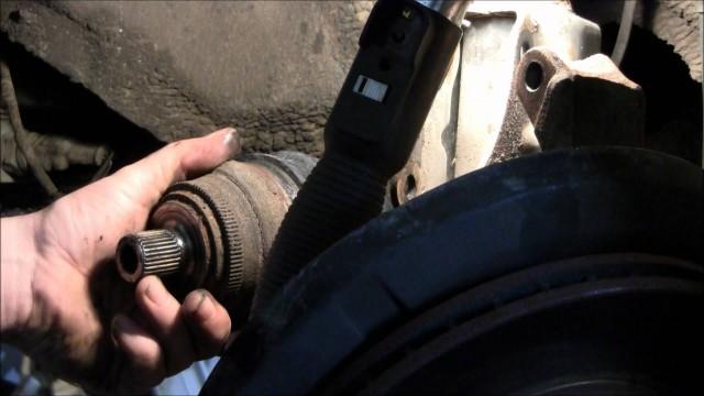 Замена ШРУСА и пыльников Audi 80, 90