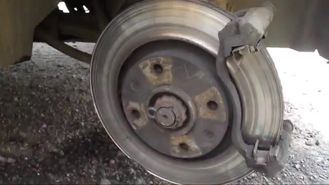 Замена тормозных колодок Citroen Xsara