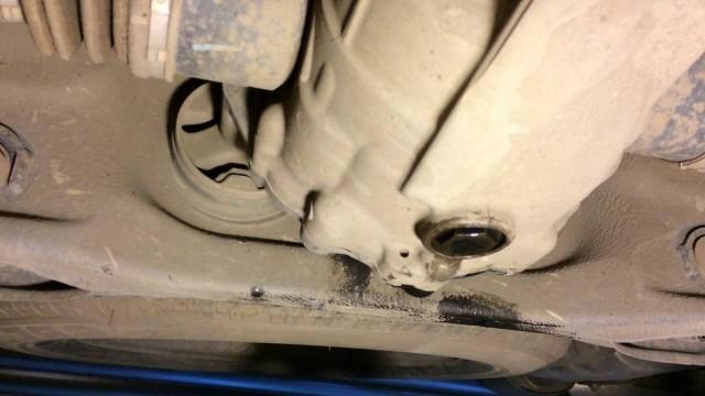 Замена масла в редукторе заднего моста Hyundai Santa Fe