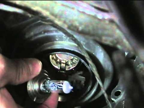Замена лампы ближнего света Renault Duster