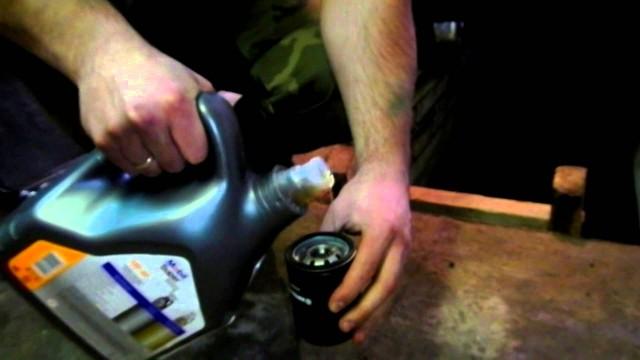 Замена масла и воздушного фильтра Mitsubishi Colt