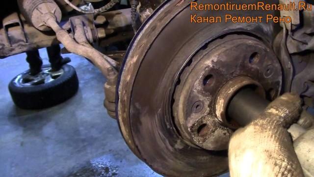Замена шаровой опоры Renault Duster