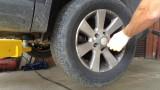 Замена передних шаровых опор и стоек стабилизатора Volkswagen Tiguan