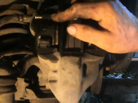 Замена передних тормозных колодок ВАЗ 2107