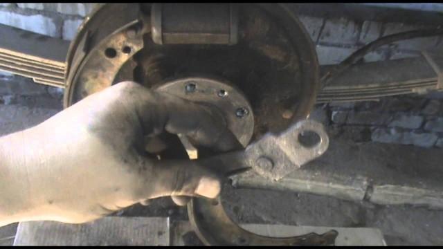 Замена задних колодок Волга 3110