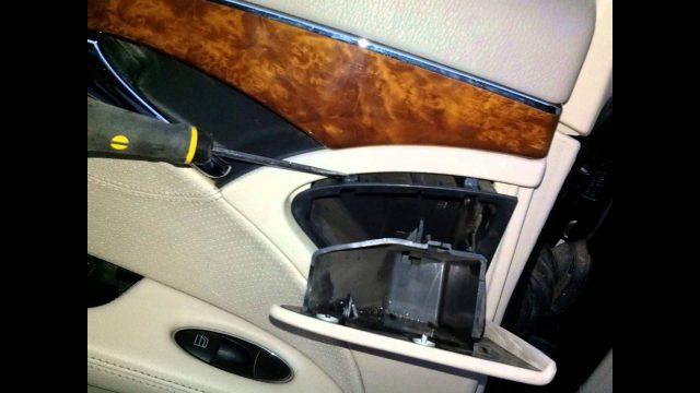 Снятие обшивки задней двери Mercedes W211