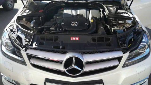 Замена аккумулятора Mercedes W204