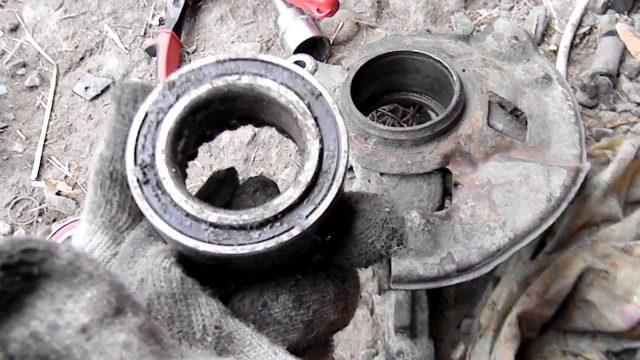 Замена ступичного подшипника и правого рычага Mazda 626