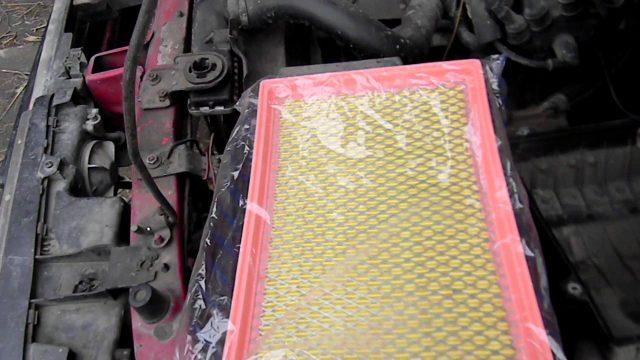 Замена воздушного фильтра Mazda 626