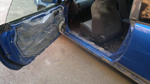 Снятие обшивки двери Nissan Skyline R34 coupe