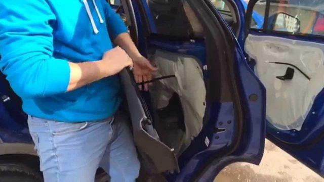 Снятие обшивки двери Opel Mokka