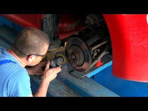 Замена передних тормозных колодок Peugeot 107