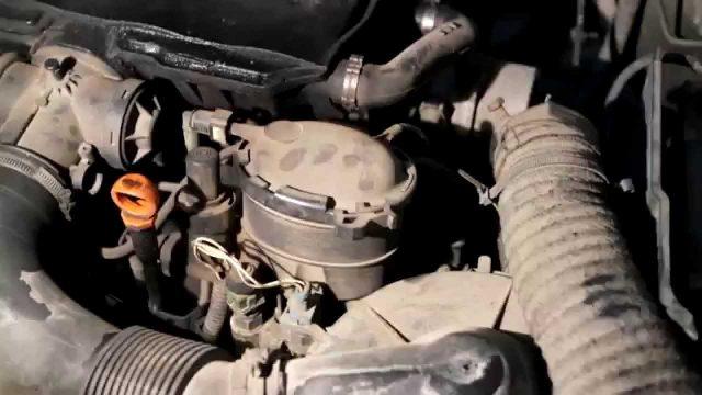 Замена топливного фильтра Peugeot 306
