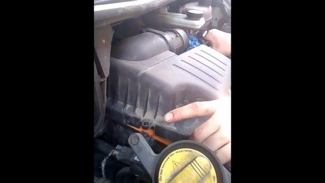 Замена воздушного фильтра Opel Vivaro