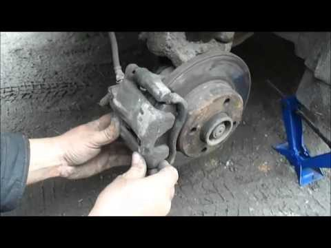 Замена тормозных колодок Skoda Felicia