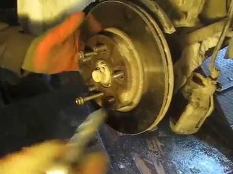 Замена тормозных дисков Toyota Corona